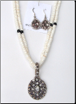 2-Strand Clam Shell With Pendant Necklace